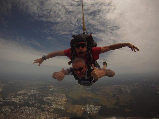 Sunshine Coast Skydivers : Freefall...