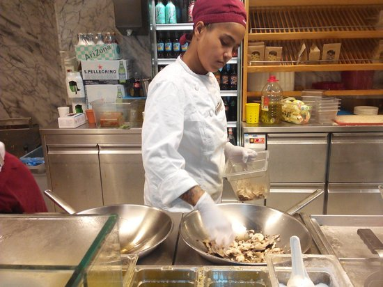 vapiano: One of the cookers!