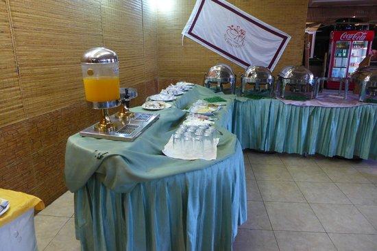 Silk Road Hotel: Breakfast