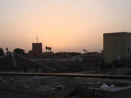 Riad El Zohar : Sunset on the rooftop