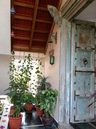 Chhoti Haveli : Beautiful entrance door