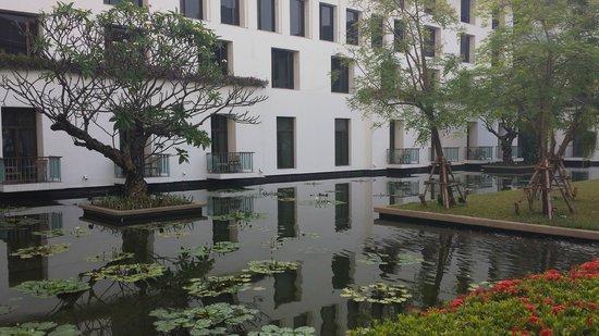 The Sukhothai Bangkok: Jardins extéreirs