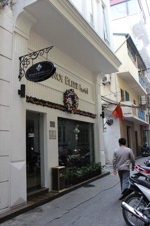 Hanoi Elite Hotel: Front of hotel