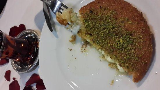 Anadolu Restaurant: Çay & Künefe