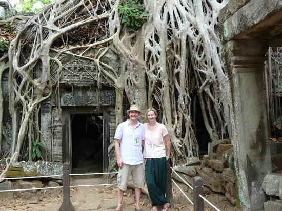 Angkor Wat Services day tours: Lisa and David in the temples