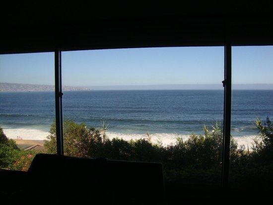 Renaca Beach Hostel: Vista panorámica desde el ventanal del living de la habitación