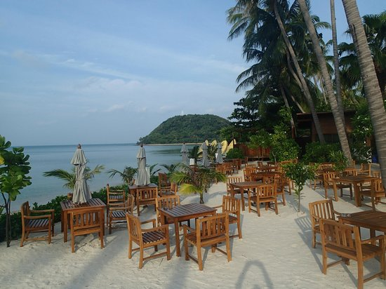 Mai Samui Resort & Spa : Theme Night dinner by the Beach