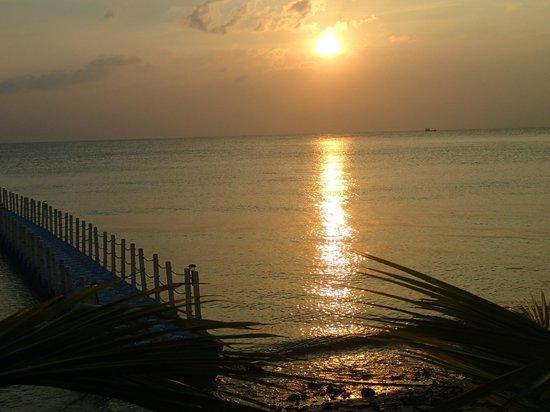 Mai Samui Resort & Spa : View of Sunset from Bar