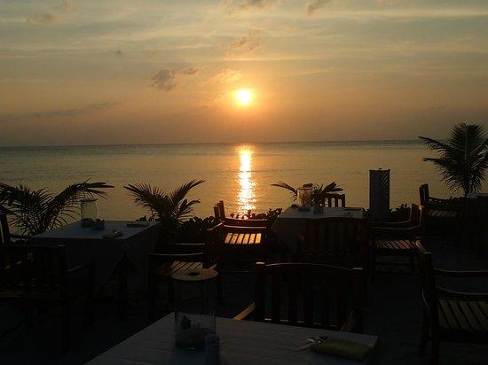 Mai Samui Resort & Spa: Dinner at the Beach at Sunset