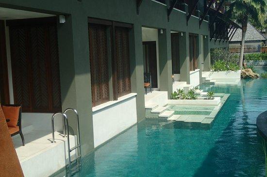 Mai Samui Resort & Spa: View of Pool Access Rooms - Main Pool