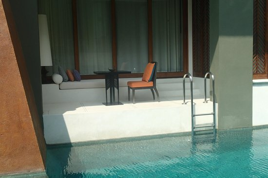 Mai Samui Resort & Spa : Pool Access Room with Ladder/No Day Bed Opposite Restaurant - Should be discounted