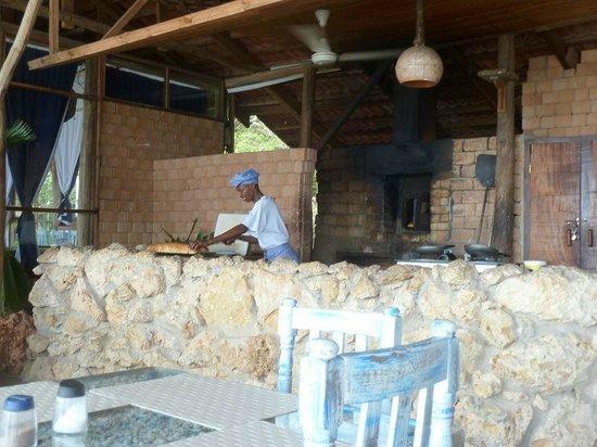 Mediterraneo Hotel & Restaurant: si fa il pane!