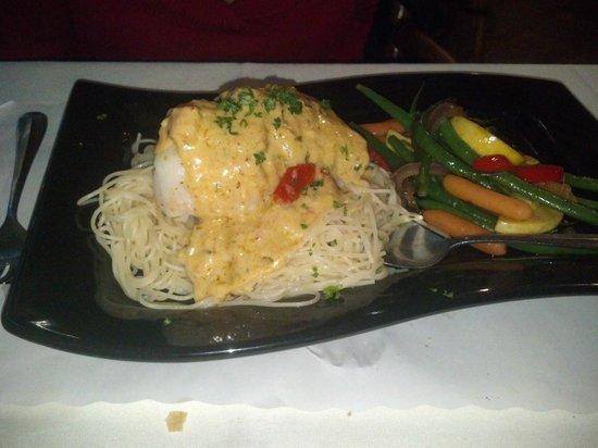 Raintree Restaurant: Stuffed Grouper was fantastic - light, flaky and fresh!