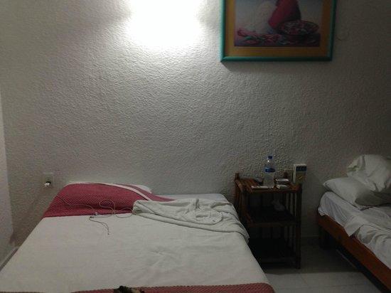 Hotel Hul-Ku: CAMERE INADEGUATE