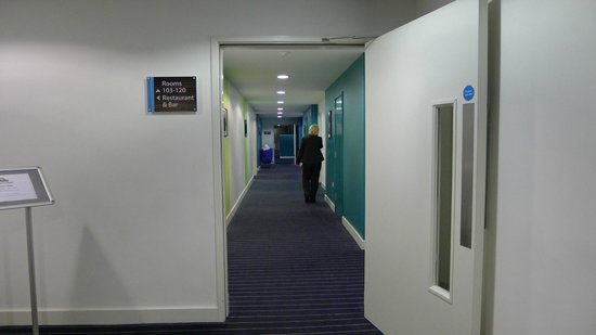 Days Inn Liverpool City Centre: Corridor