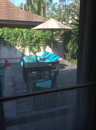 Bo Phut Resort & Spa : Sun chairs in villa
