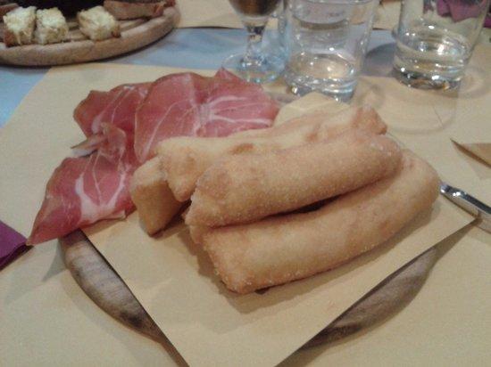 Pizzeria Ristorante Cirifo': Tagliere antipasto fritti e salumi