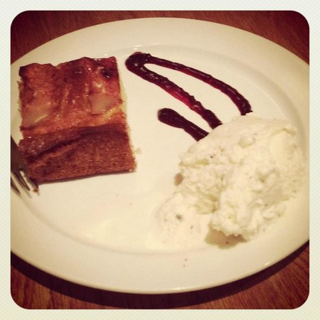 Scandinavian: Delicious apple cake - a must have!