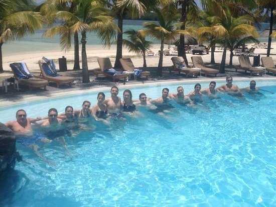 Shandrani Beachcomber Resort & Spa: A bunch of my colleagues at the second pool