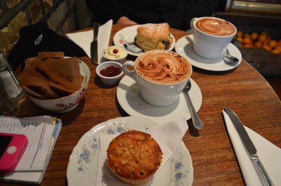 Queen of Tarts: Scones&Cappuccino