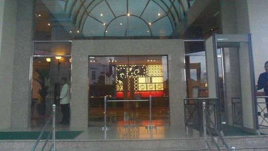 Millennium Hotel Sirih Jakarta : 入口