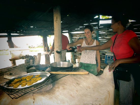 Chalet Tropical Village: Cooking with Izabel on the Playita