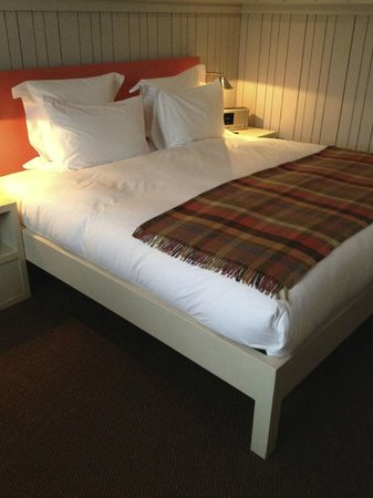 Shoreditch House bed
