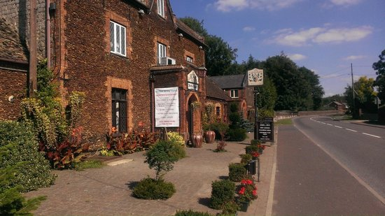 Ffolkes Arms Hotel-Temporarily Closed