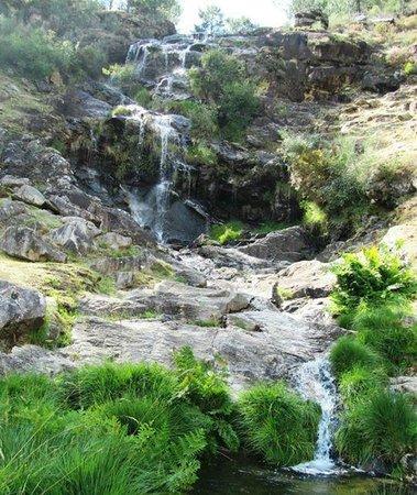 Muiños do Folón e do Picón: Pequeña cascada