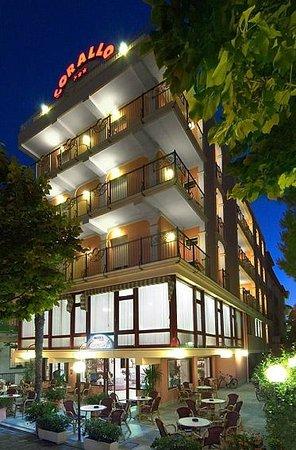 Hotel Corallo : ... di notte