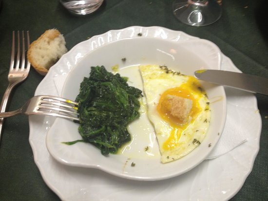 Osteria al Palchetto: We shared eggs with herbs and spinach