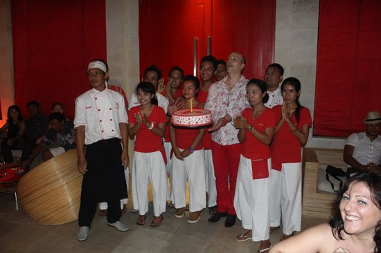Rouge Villas & Spa: Some of the staff at Rouge