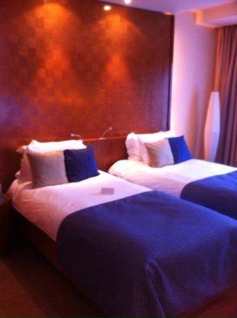 Royal Yacht Hotel: Room 418