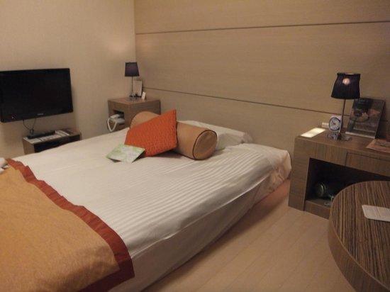 Yokohama Sakuragicho Washington Hotel: 明るくてすっきりしたお部屋