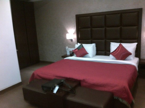 Jasmine Boutique Hotel: The bed