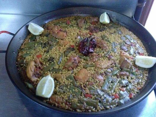 Jotas Vistamar: Paella valenciana mui buena y mui sabrosa