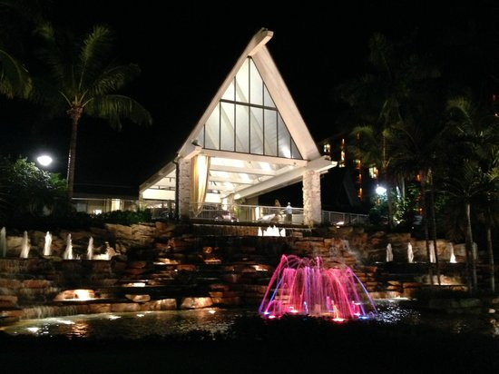JW Marriott Marco Island Beach Resort : Dramatic Entrance At Night