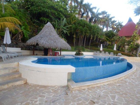 Tango Mar Beachfront Boutique Hotel & Villas: piscine de l hotel