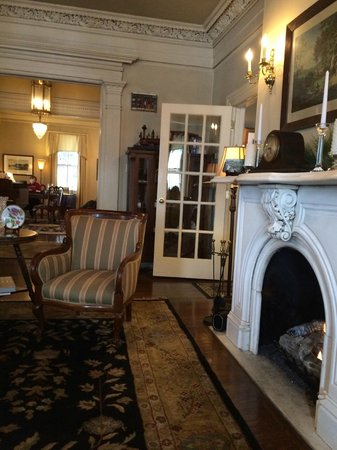The Sayre Mansion Inn : great to sit by the fire