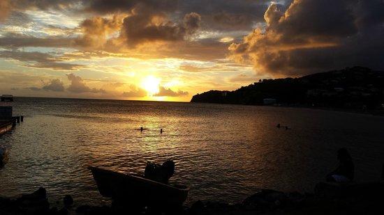 Timothy Beach Resort: Sunset from the beach bar