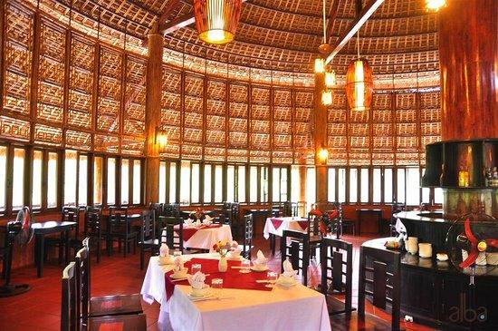 Inside lotus restaurant photo de alba hot springs resort hu 233