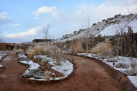 Ojo Caliente Mineral Springs Resort and Spa: A flattering photo of the grounds
