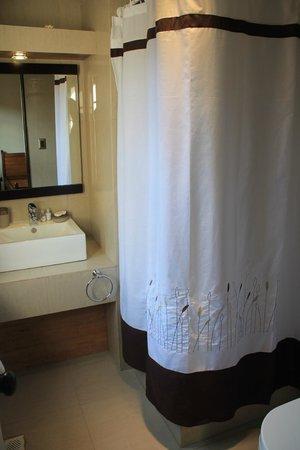 High House: Baño Habitación Doble Twins