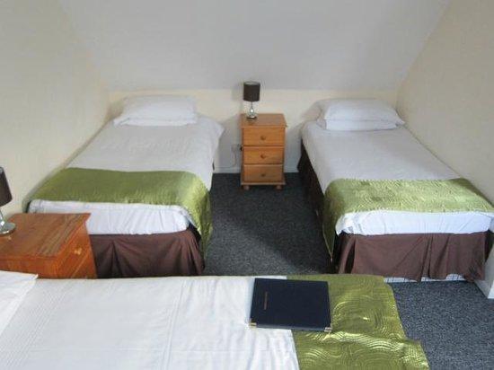 Hamilton Lodge : кровати