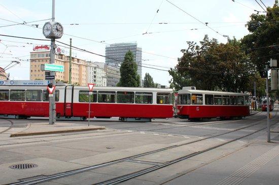 Ringstrasse: Удобно до достопримечательностей ехать трамваями