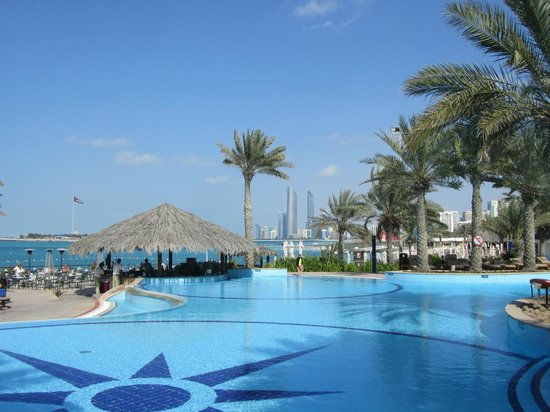 Hotel pool picture of hilton abu dhabi abu dhabi for Garden pool dubai