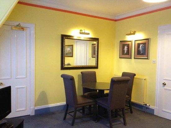 Skene House Holburn: гостиная