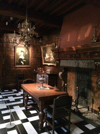 Rubens House (Rubenshuis) : dining room