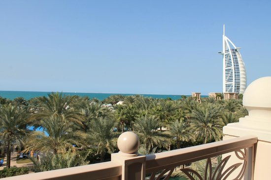 Jumeirah Al Qasr at Madinat Jumeirah: Views from our table