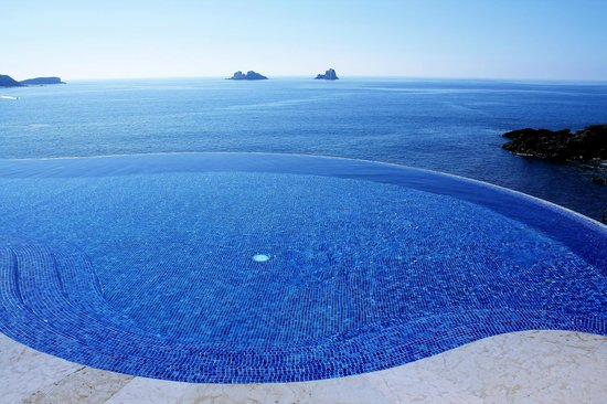 Capella Ixtapa : pool view